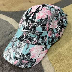 Ladies Nike hat